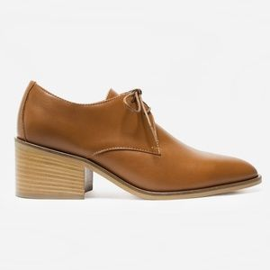 Everlane Camel Italian Leather Heeled Oxford